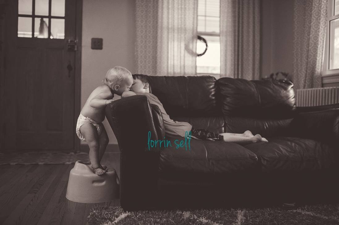 i love a good candid photograph. check out these 10 tips on how to take candid pictures of your kids.