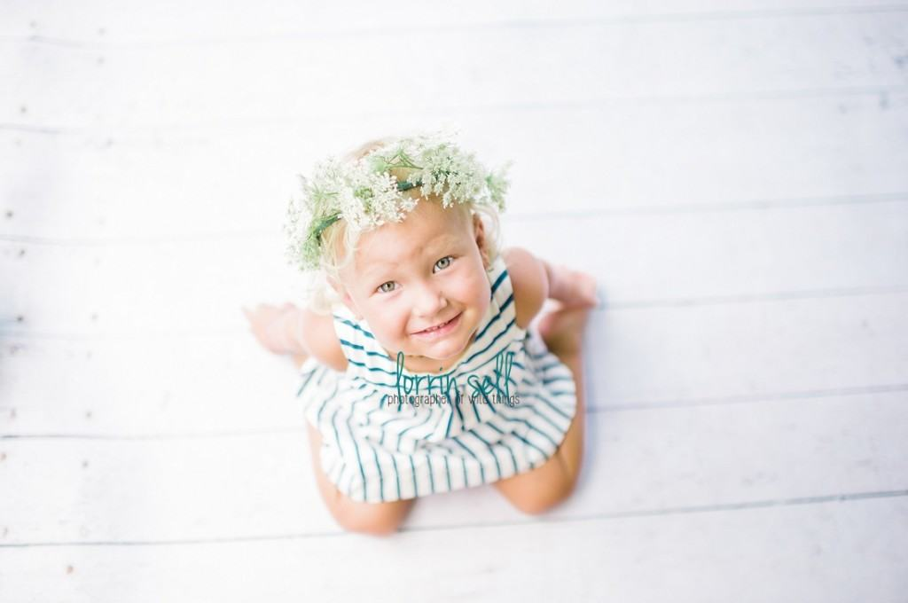 this is seriously the easiest flower crown to make, and it is beyond cute! my daughter was so excited and it would make an awesome photo prop too!
