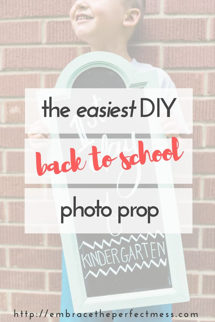 This easy DIY back to school photo prop is perfect for those of us who wait until the last minute. It's also awesome since you can use it on the fridge after you're done using it as a prop.