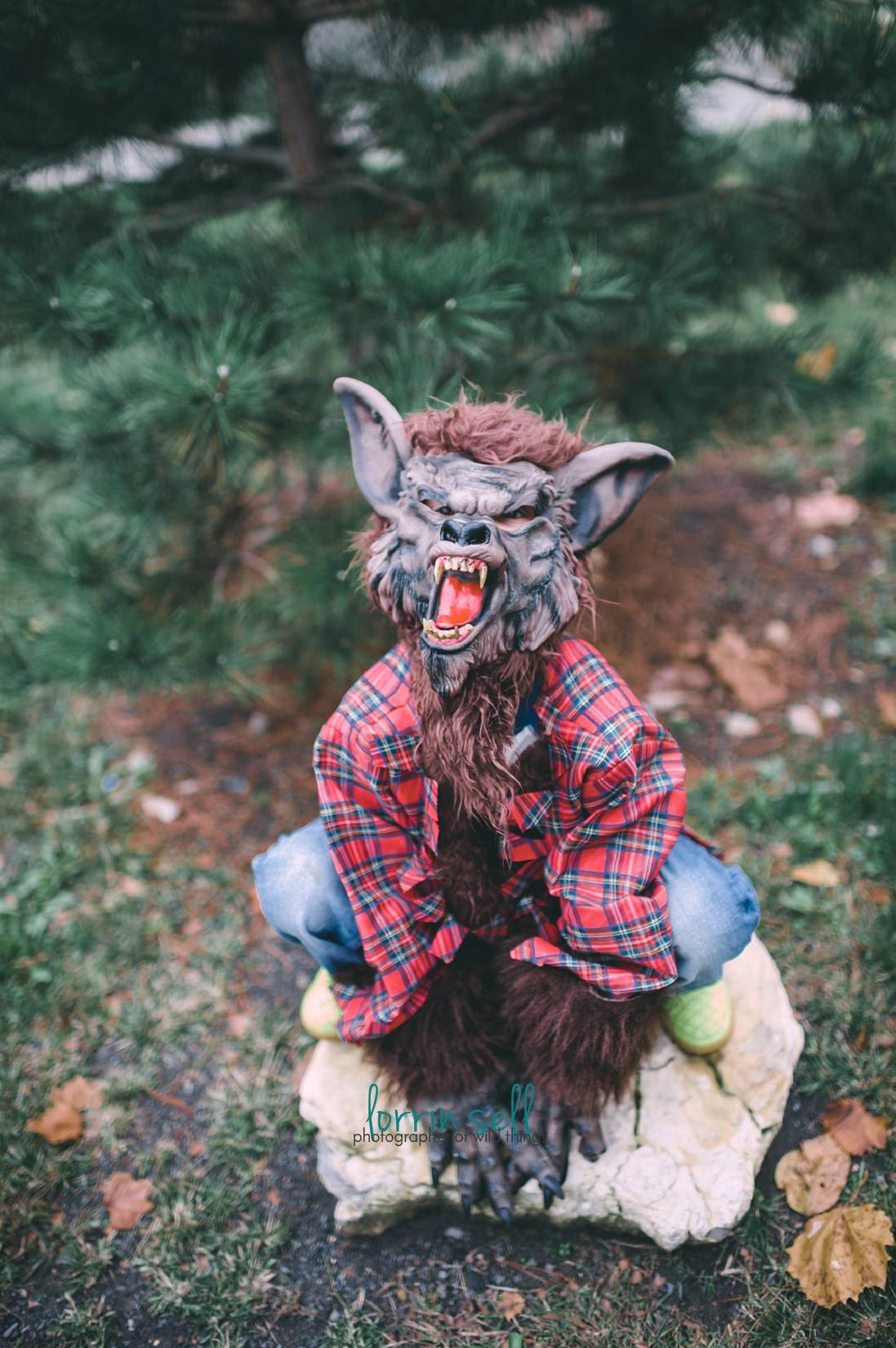 try these tips for taking amazing halloween pictures of your kids