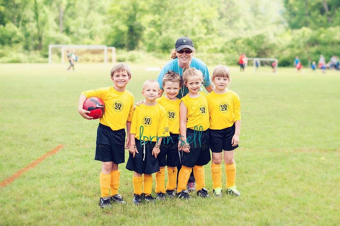Want to know how to take better pictures of your kids while they are playing sports? Here are 8 tips for better sports photography!