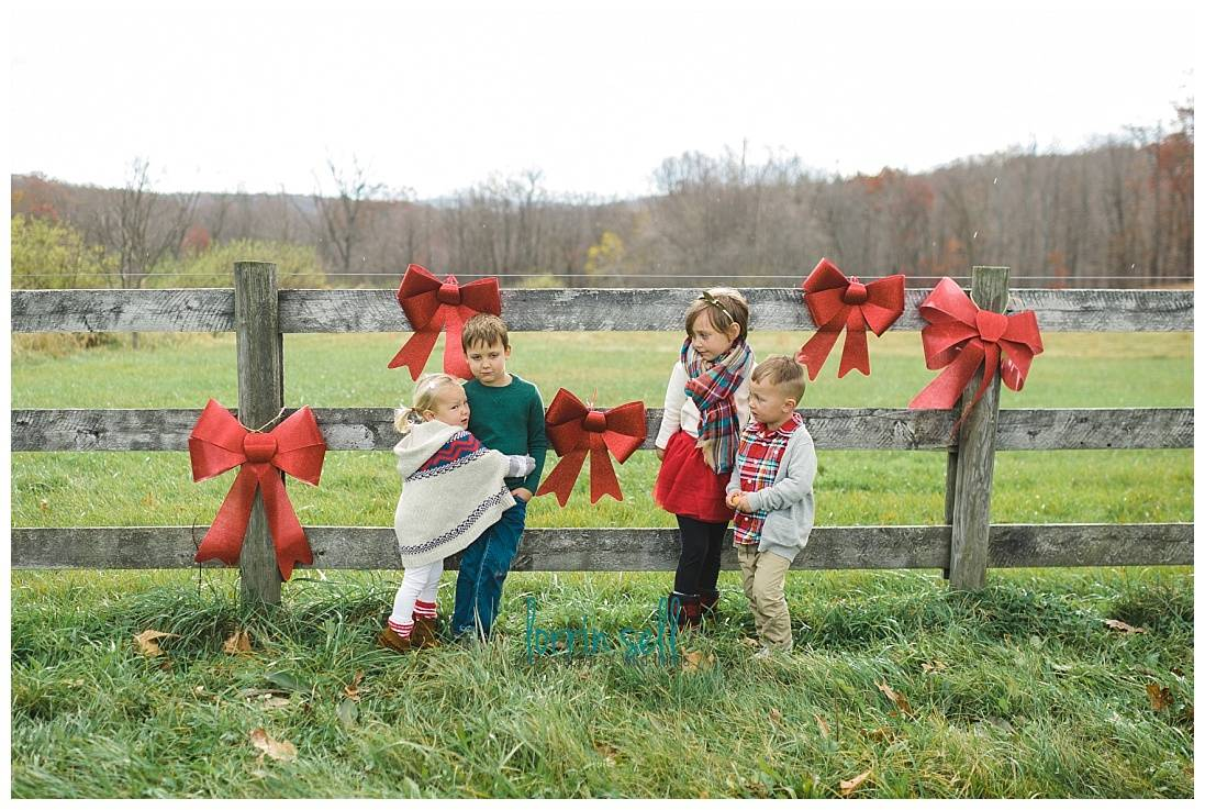 These Christmas props are perfect for your family's Christmas card!