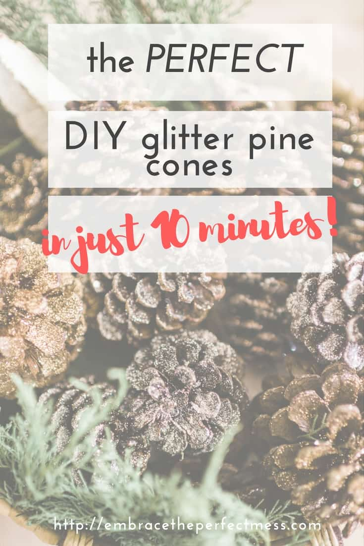 These easy DIY glitter pine cones are the such a pretty Christmas decoration! #glitterpinecones #Christmasdecor #ChristmasDIY