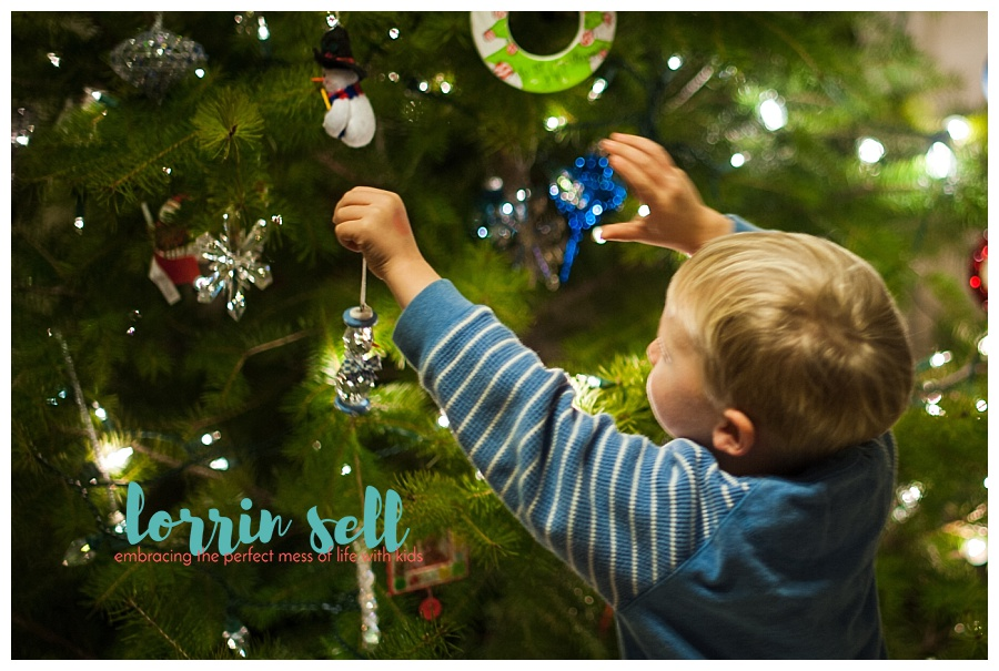 Christmas decorating with small children isn't always easy. These tips are a great way to make it more manageable, and fun for everyone.